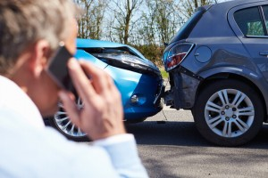 phone-call-after-car-accident